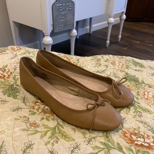 Lands' End leather flats size 8